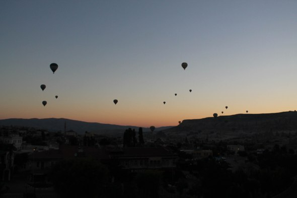 We counted 50+ hot air balloons. During peak season it's often 200.